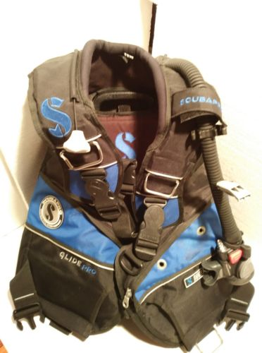 Scubapro Glide Pro BCD W/Air 2 Size Lg , 2 Weigt Pockets & Gloves Ex Condition