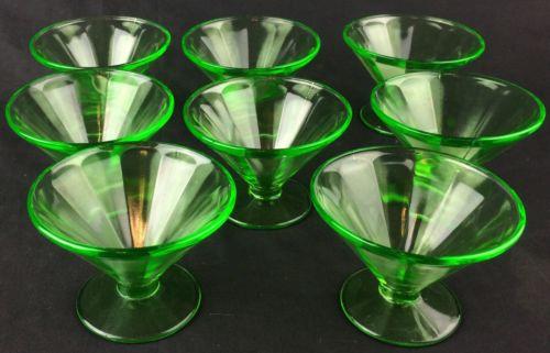 Beautiful Set of 8 Vintage Federal Glass Sherbet Dishes Vaseline Uranium Green