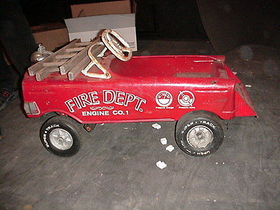 BARN FIND FIRE TRUCK FIRE ENGINE PEDDLE CAR EXCELLENT CONDITION COMPLETE