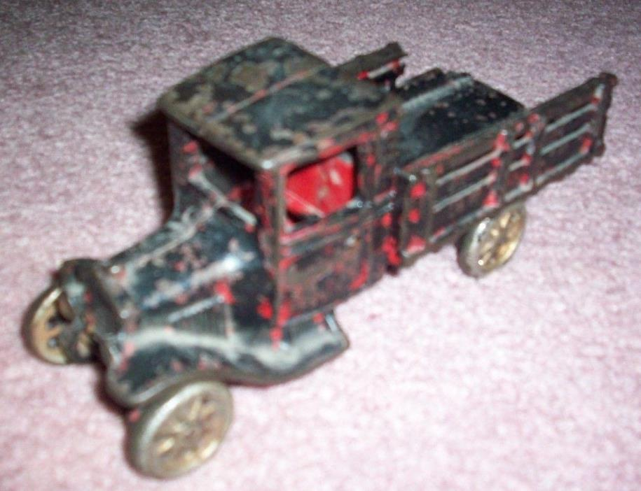 Vintage Antique Arcade Manufacturing Co Cast Iron Metal Toy Truck