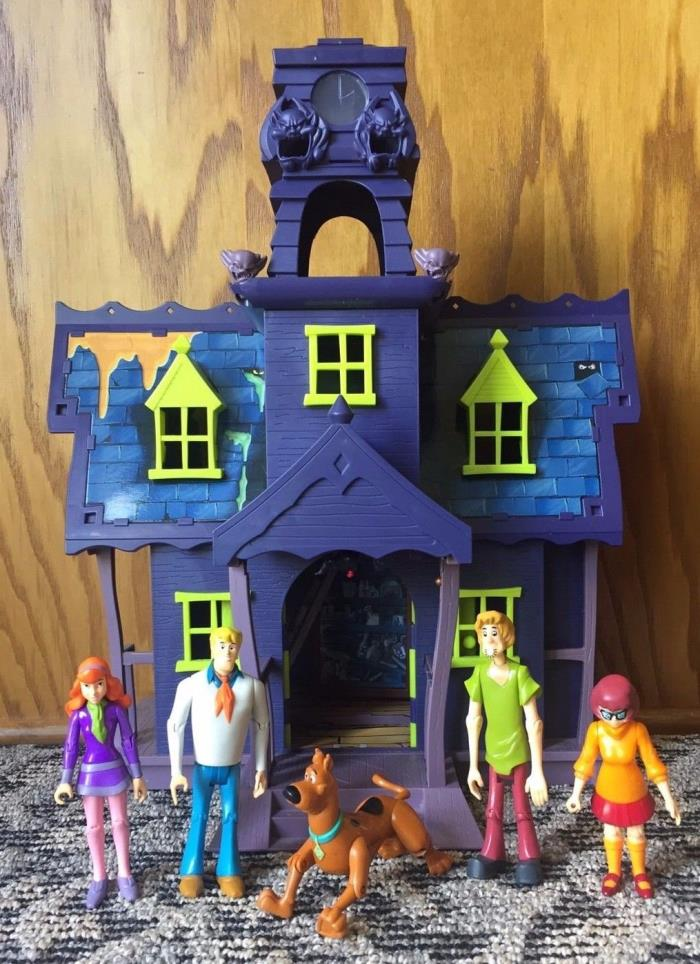 SCOOBY DOO MYSTERY MANSION PLAYSET House Figures Full Size