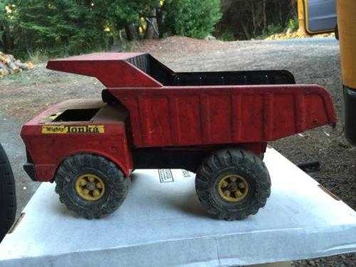 big Mighty Tonka Dump Truck old Vintage