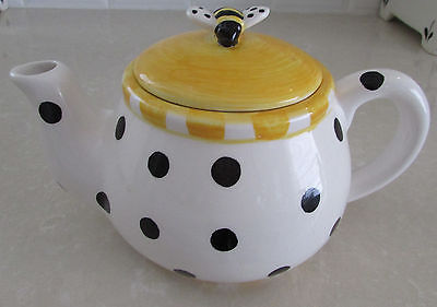 Queen Bee Polkadot Teapot