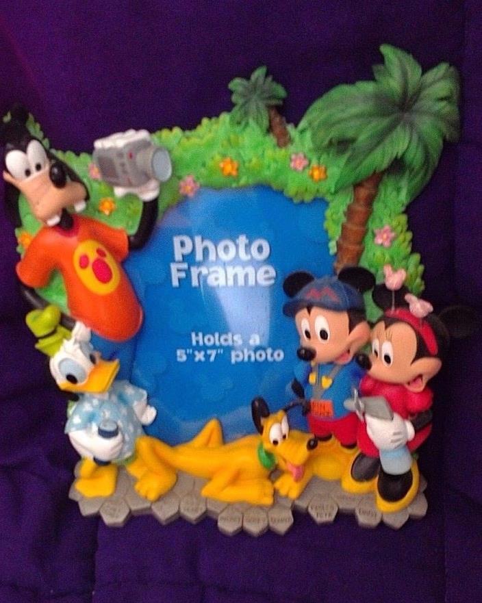 Walt Disney World Character Photo Frame Mickey Minnie Goofy Pluto Donald Duck 3D