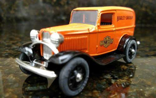 Harley-Davidson 1932 Ford Panel Delivery Truck Ertl Diecast 1:43 Scale Dime Bank