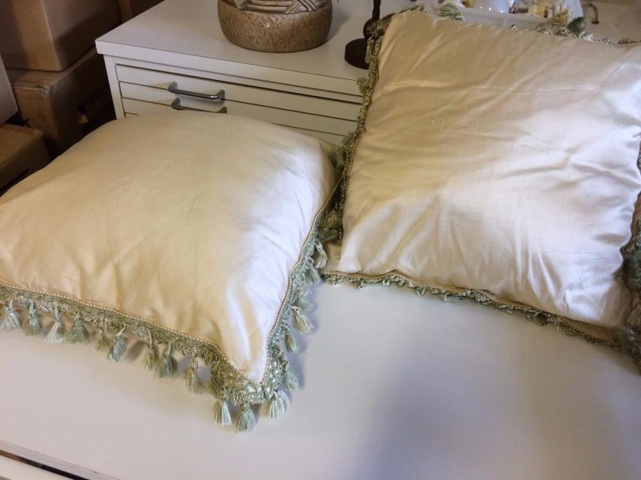 PAIR Fringed Decorative Throw Pillow 18