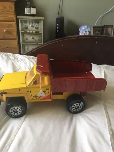 vintage 1970s Tonka Dump Truck