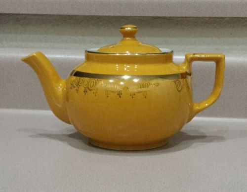 Vintage Hall Teapot 6 Cup Mustard Yellow Made in USA