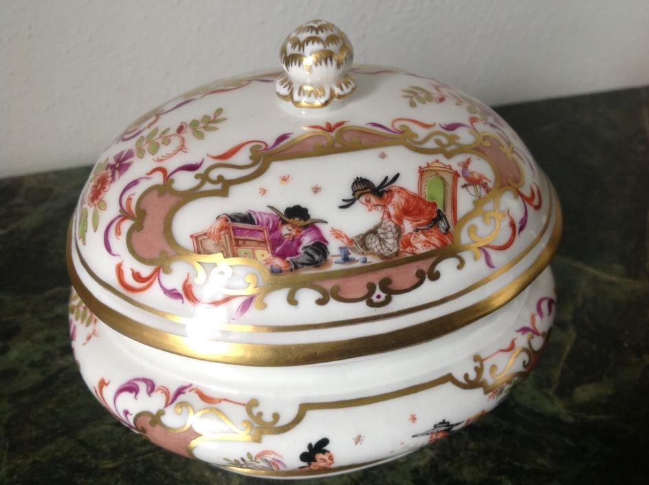 Meissen box 20th century with half chinese