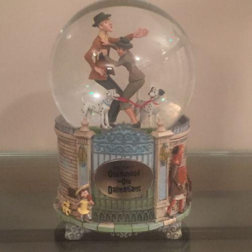 Disney 101 Dalmatians Pongo Perdita Roger Anita Snowglobe MIB Lights Up FREESHIP