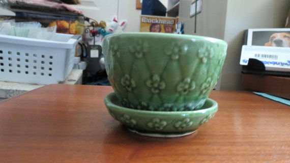Vintage Shawnee Pot with Attached Saucer-#452