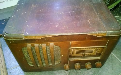 Vintage Silvertone Wood Cabinet TUBE RADIO ~Parts or Restore untested