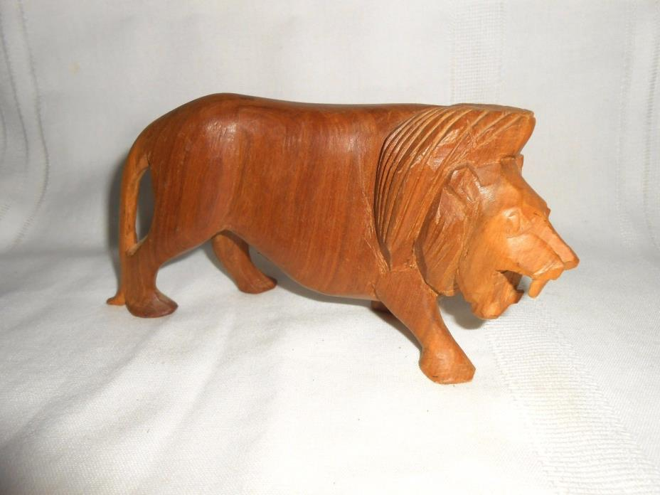 Beautiful Carved Wooden Lion Figure 6 1/2