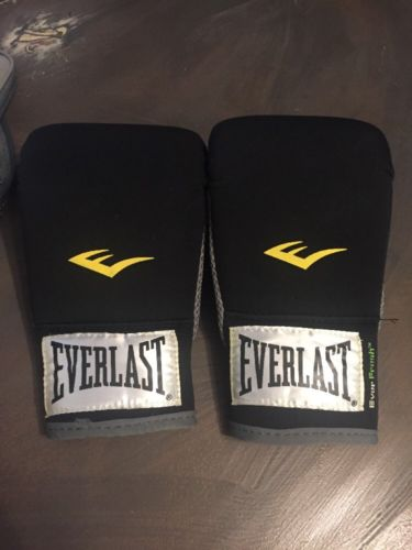 Everlast Neoprene Heavy Bag Gloves Boxing Level 1  Black