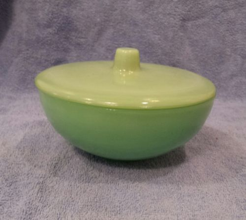 Vintage 1950s Jadeite Bowl with lid