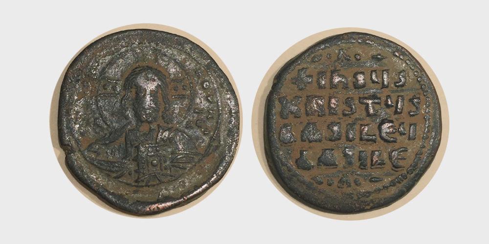 FA-B0007- BYZANTINE EMPIRE. Anonymous. 1020-1028 AD. AE Follis(17.68 gram 33 mm)