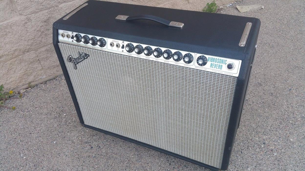 1976 Fender Vibrosonic Reverb Amp..Finest Condition