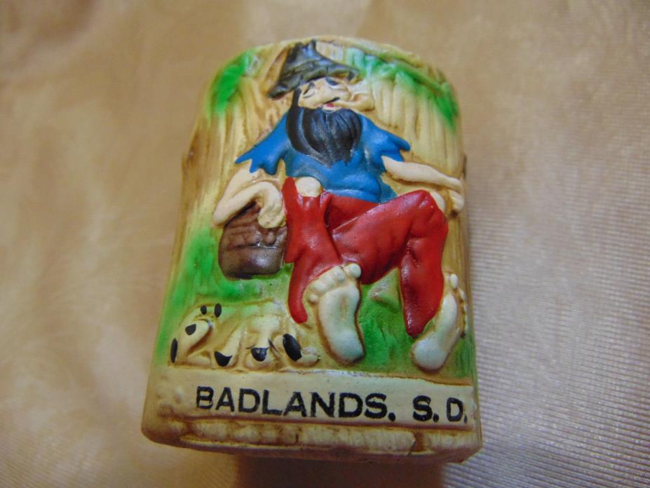 Souvenir Tooth Pick Holder Badlands South Dakota Made In Taiwan