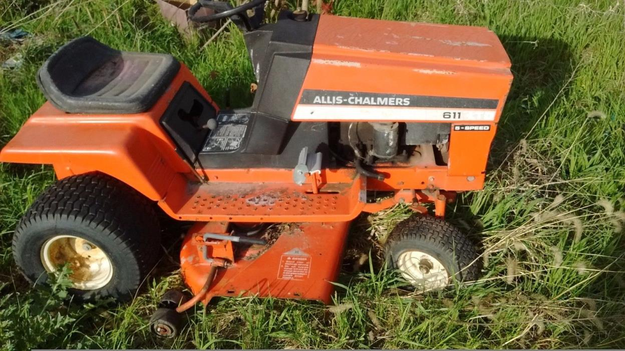 1978 Allis Chalmers 611 lawn mower