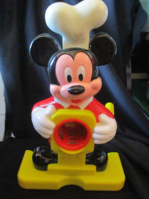 VINTAGE DISNEY MICKEY MOUSE SNOW CONE MAKER 1980'S