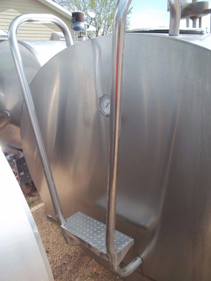 1000 Gallon Mueller O74182 Stainless Steel Bulk Milk Cooling Farm Tank