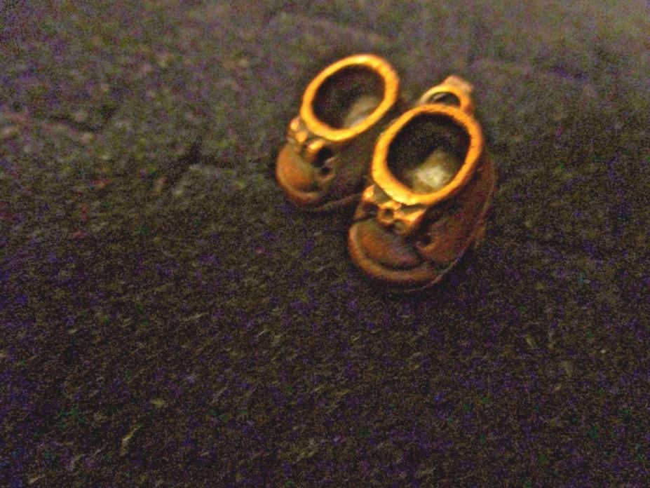 Vintage Estate Copper Baby Shoes Pin or Pendant Unmarked, Dainty!