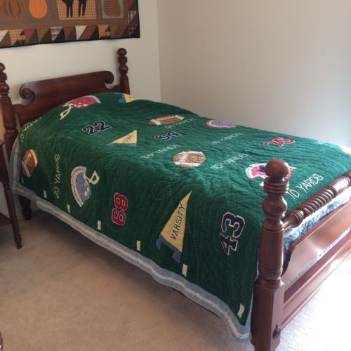 POTTERY BARN Twin Quilt Bedspread 100% Cotton Green