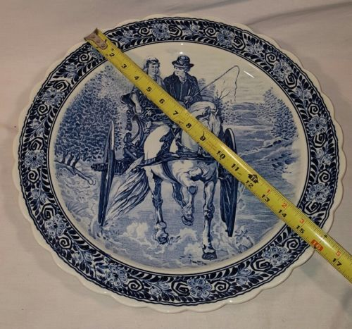 Boch Royal Sphinx Delft charger, Late 19th Century 16