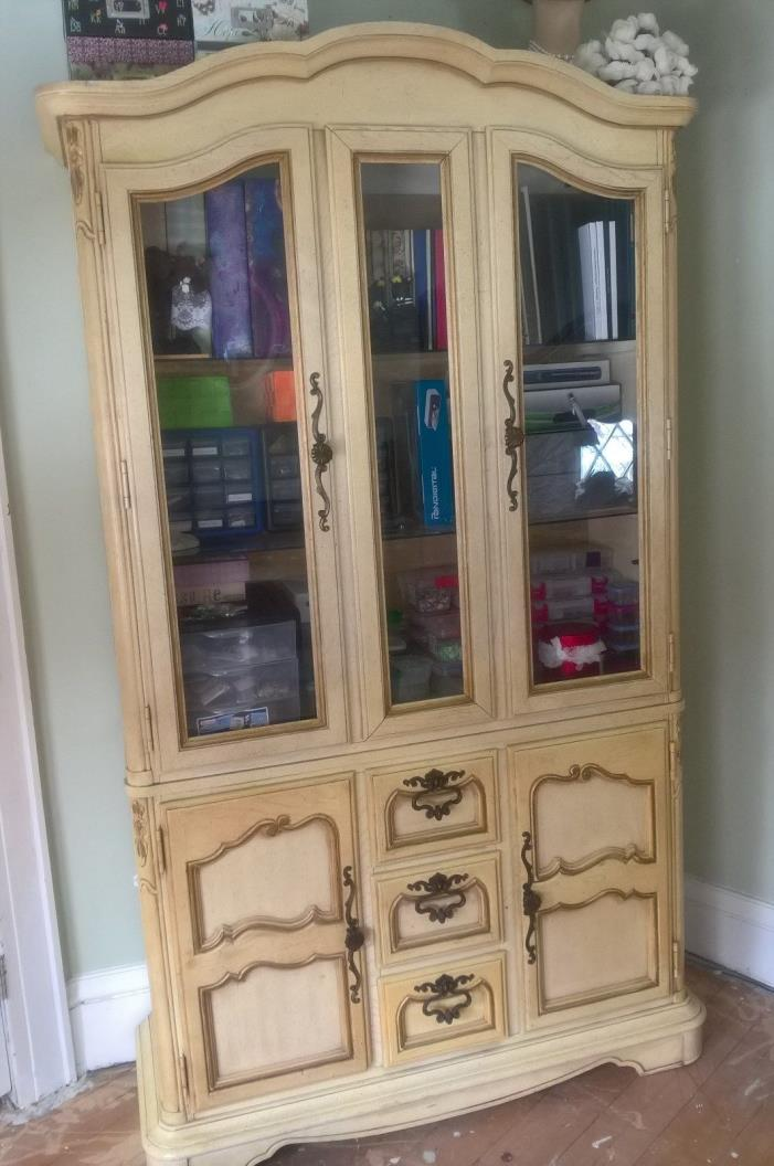 Stanley China Cabinet For Sale Classifieds
