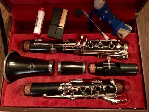 Buffet Crampon E11 Bb Wood Clarinet With Vandoren Mouthpiece - Nice!