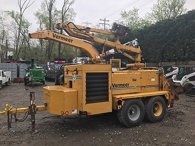 Vermeer BC2000XL Chipper with Grapple Loader