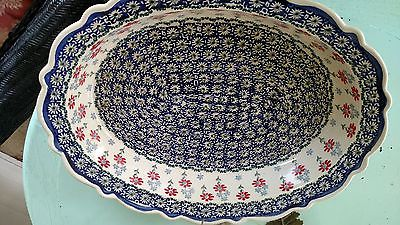POLISH POTTERY/OVAL FLUTED DEEP DISH SERVING PLATTER'APPROX 131/2