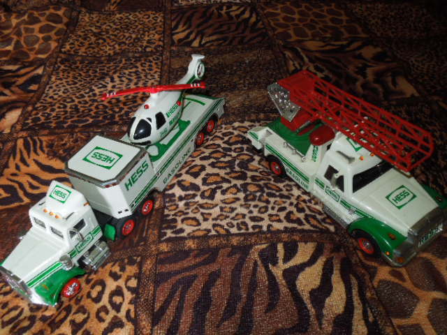lot of 2 vintage hess trucks-1994 & 1995