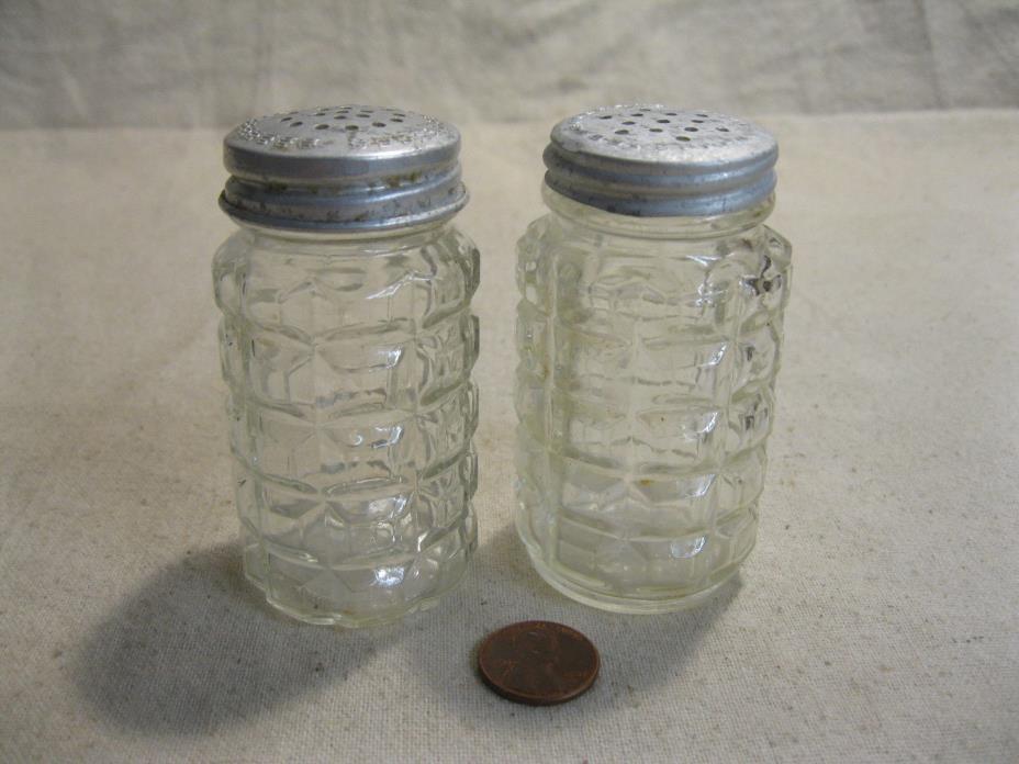 Vintage Depression Glass Squares Salt and Pepper Shakers Hazel Atlas          92