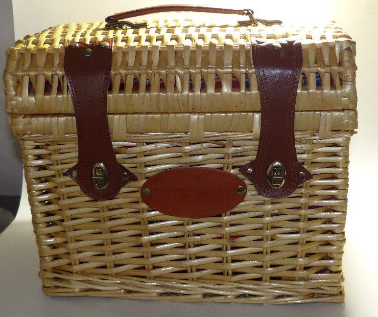 Wicker Butterball Picnic Basket with Plates, Cups, Utensils & Napkins NEW