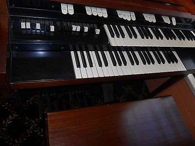Hammond L101 Spinet Organ