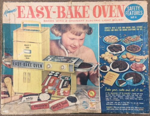 VINTAGE KENNER EASY BAKE OVEN IN BOX