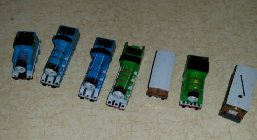 TOY Figures THOMAS Friends Trains Pocket Mini Plastic Busy Books Take Along
