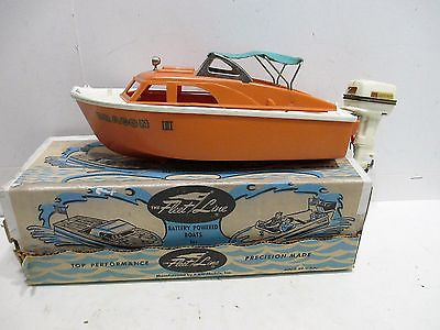 FLEETLINE POWER BOAT WITH JOHNSON OUTBOARD MOTOR EXCELLENT IN ORIGINAL BOX