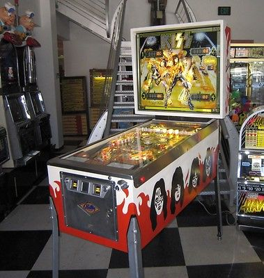 KISS PINBALL MACHINE ~ BEAUTIFULLY RESTORED w NEW PLAYFIELD, BACKGLASS +ON SALE!