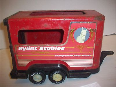 VINTAGE NYLINT STABLES SHOW HORSES TRAILER STEEL