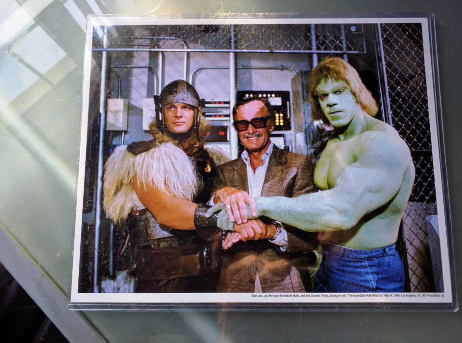 Stan Lee Box photograph of Stan Lee, Thor and Hulk