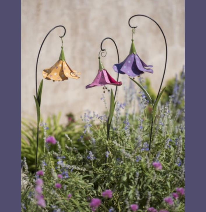 Trumpet Metal Flower Set Of Three Garden Stakes Lawn Patio Ornaments Statue
