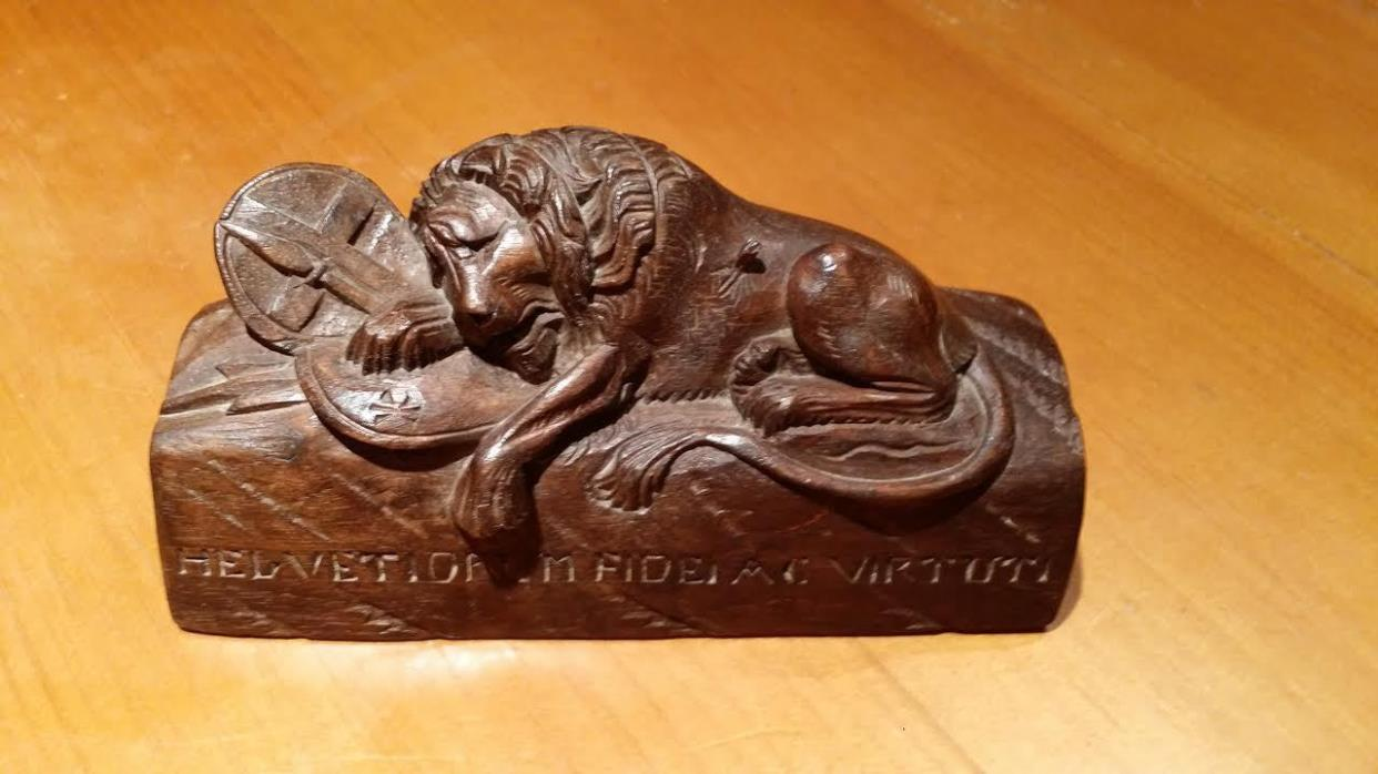 Hand Carved Wood Lion of Lucerne Figure 5.5 Inches HELVETIORUM FIDEI AC VIRTUTI