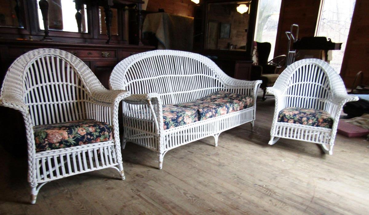 ANTIQUE 3 PIECE BAR HARBOR WICKER SET