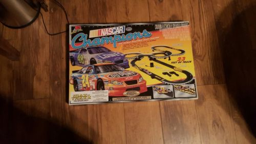 Nascar slot car track