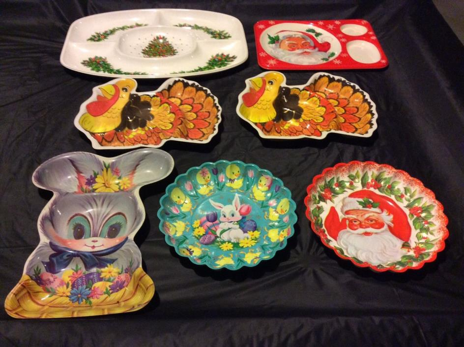 LOT OF 7 VINTAGE LARGE PLASTIC HOLIDAY DIVIDED TRAYS - COOKIE OR CANDY DISHES