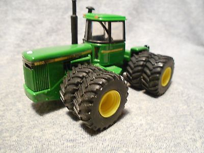 John Deere 8850 Eight Wheel Tractor  scale 4