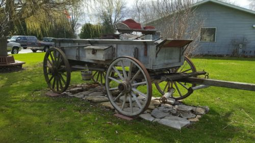 HORSE DRAWN WAGON WOOD WHEEL DISPLAY WAGON HARVEST WAGON STORE FARM JOHN DEERE
