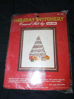 TITAN Holiday Stitchery Crewel Embroidery Kit Christmas Tree #260 Vintage 1976